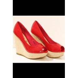 3205-1 Lakierkowane sandałki na koturnie - czerwony
